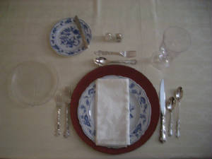 tablesettings/familymeal.jpg